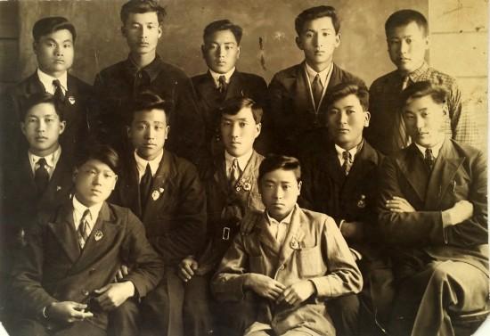 Ли Гван Хо среди друзей